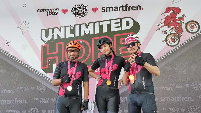 Keseruan acara gowes bareng bertajuk Unlimited Hope yang digelar Smartfren. (Liputan6.com/Agustinus M. Damar)