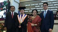 Ketua DPR RI, Puan Maharani secara resmi mendapatkan gelar Doktor Honoris Causa