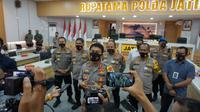 Kapolda Jatim Irjen Pol Nico Afinta menyebutkan sebanyak 62 anggotanya gugur akibat Covid-19 sepanjang 2020.