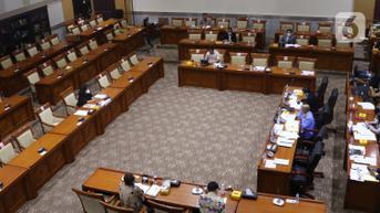 DPR Mengesahkan 7 Calon Hakim Agung Terpilih