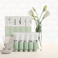 Penuhi kebutuhan kulit mingguan dengan deretan facial scrub dan masker wajah berbahan dasar alami dari Sensatia Botanicals.