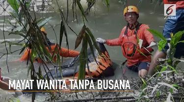 Seorang petani kayu jati tak sengaja temukan mayat wanita tanpa busana pada sebuah sungai di Ngawi, Jawa Timur.
