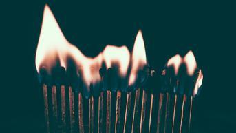 Salat Tahajud Selamatkan Aktivis Langsa dari Teror Api Pembawa Maut