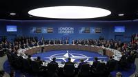 "KTT para pemimpin negara-negara anggota NATO di Hotel ""The Grove"" Watford, Inggris, 4 Desember 2019. (Source: AP)"