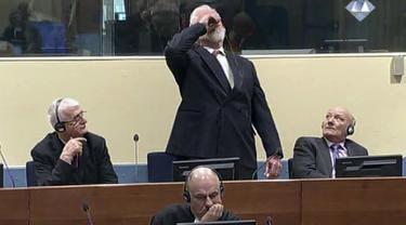 Nekat, Penjahat Perang Bosnia Tenggak 'Racun' Saat di Pengadilan