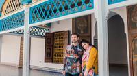 Raffi Ahmad dan Nagita Slavina mengunjungi Istana Bahia dan Masjid Koutoubia di Maroko (Dok.Instagram/@raffinagita1717/https://www.instagram.com/p/B8bZU3bhNoI/Komarudin)