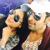 pemeran Anandhi, Pratyusha Banerjee dan kekasinya Rahul Raj Singh. (Instagram/iamprats)