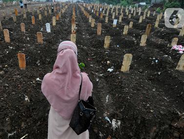 Intensitas Pemakaman COVID-19 di TPU Srengseng Sawah 2 Menurun
