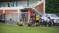 Bek tengah Bali United Gunawan Dwi Cahyo saat berlatih terpisah dengan fisioterapi Bali United di Lapangan Yoga Perkanthi, Jimbaran pada 19 Mei lalu. (Bola.com/Maheswara Putra)