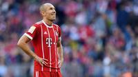 5. Arjen Robben - Pria Belanda ini punya catatan baik saat ditangani dua pelatih hebat ini. Pemain berkaki kidal itu mampu meraih gelar untuk Bayer Munchen bersama Pep Guardiola dan Chelsea bersama Jose Mourinho. (AFP/Christof Stache)
