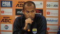 Kapten tim Persib Bandung Supardi Nasir meminta rekan-rekannya fokus jelang lawan Semen Padang. (Liputan6.com/Huyogo Simbolon)