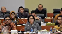 Menkeu Raker Sri Mulyani bersama Banggar DPR membahas laporan dan pengesahan hasil panja-panja, pendapat mini fraksi dan pendapat pemerintah mengenai RUU Pertanggungjawaban atas APBN TA 2015, Jakarta, Kamis (25/8). (Liputan6.com/Johan Tallo)