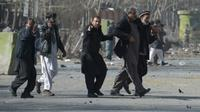 Bom bunuh diri terjadi di Kabul, ibu kota Afghanistan. Dalam insiden itu, sedikitnya 40 orang dilaporkan terbunuh dan 140 lainnya luka-luka. (