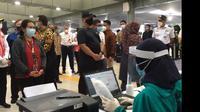 Menteri Perhubungan Budi Karya Sumadi melakukan kunjungan kerja ke Stasiun Pasar Senen, Rabu (3/2/2021) guna meninjau Penggunaan GeNose.