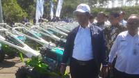 Kementerian Pertanian (Kementan) bersama Pemerintah Daerah Kabupaten Bandung Barat (KBB) menyalurkan bantuan alat mesin pertanian (Alsintan) kepada para petani di KBB.