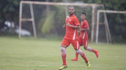 Hilton Moreira dahulu merupakan striker andalan dari Persib Bandung yang merupakan rival dari Persija Jakarta. (Bola.com/Vitalis Yogi Trisna)