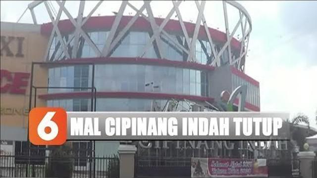 Aliran listrik di Mal Cipinang Indah masih belum dapat digunakan setelah panel listriknya terendam.