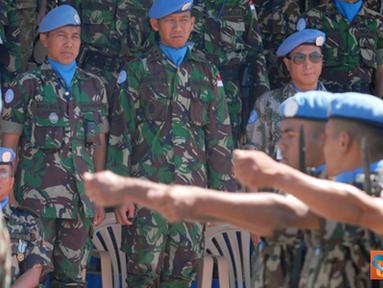 Citizen6, Lebanon: Upacara diakhiri dengan defile pasukan dan acara tambahan dengan menampilkan kolone senapan yang dikombinasikan dengan beladiri militer prajurit Nepal. (Pengirim: Badarudin Bakri)