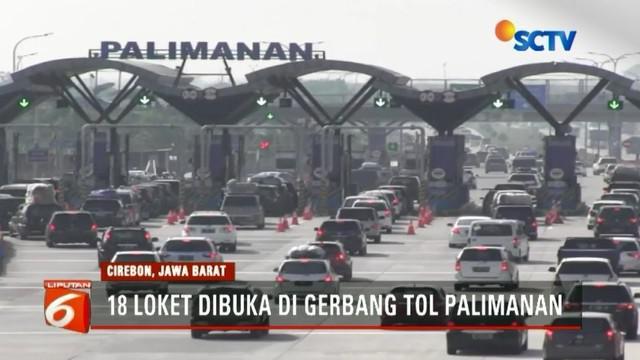 Ribuan kendaraan dari arah Jakarta menuju Jawa Tengah dan Jawa Timur terus mengalir tak terputus di ruas Tol Cipali, Kabupaten Cirebon. Antrean pun sesekali terjadi di loket pembayaran.
