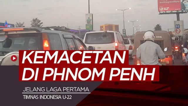 Berita video vlog Bola.com kali ini tentang jurnalis Zulfirdaus Harahap yang sudah tiba di Phnom Penh, Kamboja untuk menemani Timnas Indonesia berjuang di Piala AFF U-22 2019 dan harus disambut dengan kemacetan.