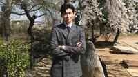 Saat ini Lee Jong Suk sedang sibuk dengan syuting drama pendek terbarunya yang berjudul Hymn of Death. Di tengah kesibukannya, ia menyapa para penggemarnya dengan mengunggah foto di Weibo. (Foto: instagram.com/jongsuk0206)