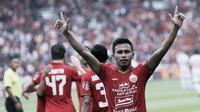 Penyerang Persija Jakarta, Osvaldo Haay, melakukan selebrasi usai membobol gawang Borneo FC pada laga Shopee Liga 1 di SUGBK, Jakarta, Minggu, (1/3/2020). Persija menang 3-2 atas Borneo FC. (Bola.com/M Iqbal Ichsan)