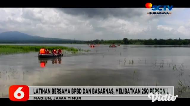 Untuk melatih kesigapan Tim SAR dalam melakukan evakuasi dan pertolongan Satbrimob Polda Jawa Timur melakukan latihan SAR dengan melibatkan 250 personil gabungan BPBD dan Basarnas di Waduk Bening Widas, Madiun.