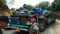 Bus tujuan Pekanbaru dari Kuantan Singingi yang mengalami kecelakaan maut di jalan lintas. (Liputan6.com/Dok Polres Kuansing/M Syukur)