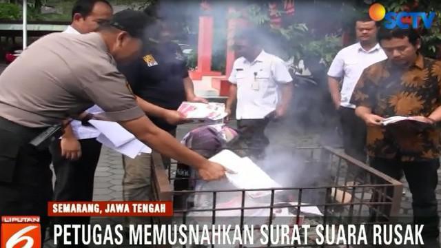 Pemusnahan ini disaksikan langsung oleh Panwaslu Kabupaten Semarang, Jawa Tengah