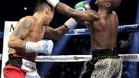 Floyd Mayweather vs Marcos Maidana (JOHN GURZINSKI / AFP)