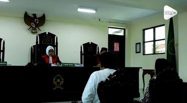 Dua caleg terdakwa kasus money politic di Semarang divonis bebas oleh hakim. Putusan ini membuat jaksa protes dan mengajukan banding.