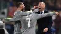 Real Madrid mengalahkan AS Roma, 2-0, pada leg pertama babak 16 besar Liga Champions di Olimpico, Roma, Kamis (18/2/2016) dini hari WIB. (AFP/Alberto Pizzoli)