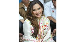 Pasca bercerai dari Farhat Abbas, Nia tampak lebih bahagia dalam mejalani aktivitasnya sehari-hari. (Liputan6.com/Panji Diksana)