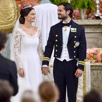 Pangeran Carl Philip dan Sofia Hellqvist (via people.com)