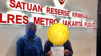 MS, terduga korban pelecehan seksual ditemani pihak KPI Pusat membuat laporan di Polres Metro Jakarta Pusat pada Rabu tengah malam, 1 September 2021 hingga Kamis dini hari, 2 September 2021 (Foto: Nuning Rodiyah, Komisioner KPI Pusat).
