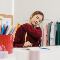Lulus SMA terpaksa menjadi buruh./Copyright shutterstock.com