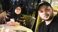 7 Momen Kebersamaan Ridho Rhoma Dengan Ibundanya yang Jarang Terekspos (sumber: Instagram.com/ridho_rhoma)