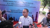 Menteri Hanif berpesan kepada PMI di manapun agar bersikap hati-hati dalam menyikapi rumor atau isu apapun tentang undian berhadiah dari Kemnaker