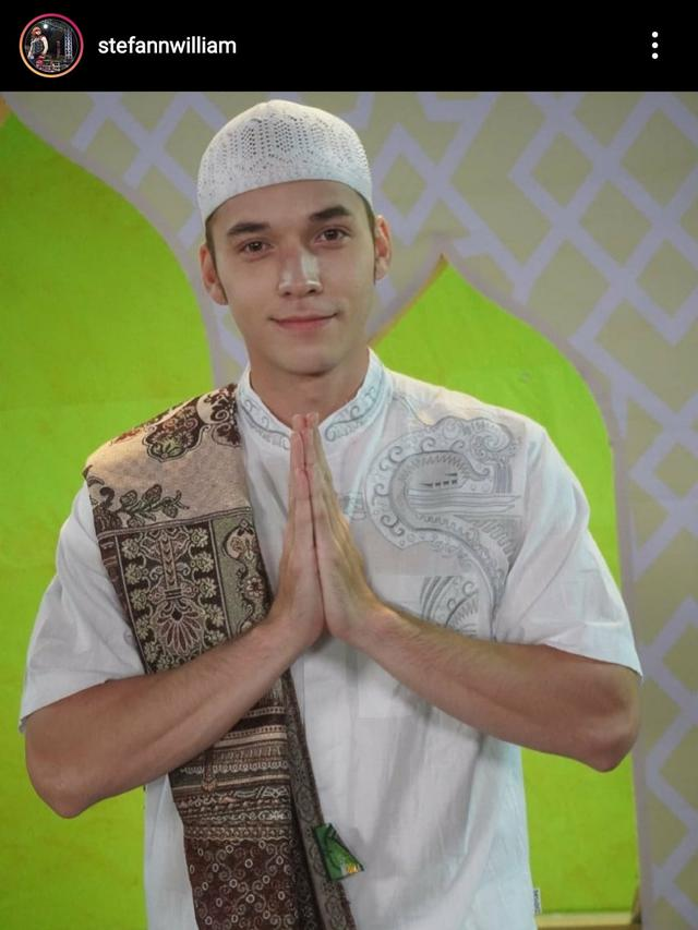Stefan William Tampil Islami Jelang Ramadan, Isu Mualaf Kembali Mencuat