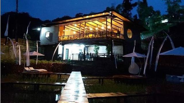 Kedai Kopi Viral yang Diapit Sawah dan Sungai di Bogor, Sudah Pernah ke Sana?