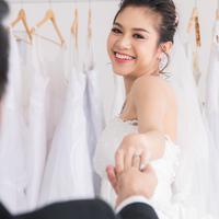 Menikah adalah sebuah awal baru./Copyright shutterstock.com