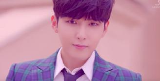 Pada 21 Juni lalu, Ryeowook merayakan ulang tahunnya yang ke-31. Di hari ulang tahunnya itu, pihak SM Entertainment selaku agensinya mengumumkan Ryeowook akan menggelar fan meeting. (Foto: Soompi.com)