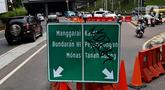 Pengendara kendaraan bermotor melintas saat diberlakukan uji coba rekayasa lalu lintas Sistem Satu Arah (SSA) di Jalan Margono Djoyohadikoesoemo, Jakarta, Sabtu (15/12/2019). Uji coba tersebut berlangsung hingga 19 Desember 2019 mendatang. (Liputan6.com/Johan Tallo)