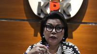 Wakil Ketua KPK, Basaria Panjaitan memberi keterangan hasil Operasi Tangkap Tangan (OTT) terkait pengisian jabatan perangkat daerah di lingkungan Pemkab Kudus, Gedung KPK Jakarta, Sabtu (27/7/2019). KPK menetapkan tiga tersangka, termasuk Bupati Kudus, M Tamzil. (Liputan6.com/Helmi Fithriansyah)