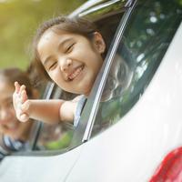 Tips mencegah anak mabuk kendaraan./Copyright shutterstock.com