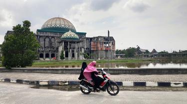 Kampus UIN Suka Riau di jalan lintas Pekanbaru-Bangkinang.