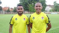 Dua penggawa Barito Putera, Rizky Pora dan Aditya Harlan, mengikuti kursus kepelatihan C AFC. (Bola.com/Nandang Permana)
