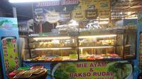 Kuliner Malam Jumat: Angkringan Jaman Edan di Yogya. (Liputan6.com/Henry)