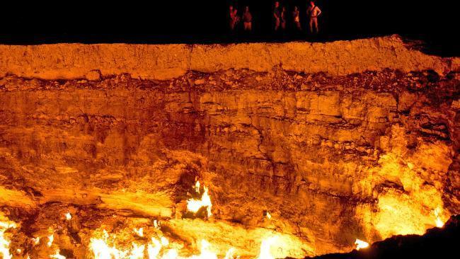 Door to Hell atau pintu menuju neraka di Turkmenistan yang terdeteksi di Google Earth berdiameter hampir 70 meter. (iStock)