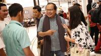 Mantan menteri koordinator (menko) bidang kemaritiman Rizal Ramli menggelar nonton bareng (nobar) film Dilan 1990 di Jakarta, Kamis (8/12). Acara dilangsungkan di mal Senayan City. (Liputan6.com/Immanuel Antonius)